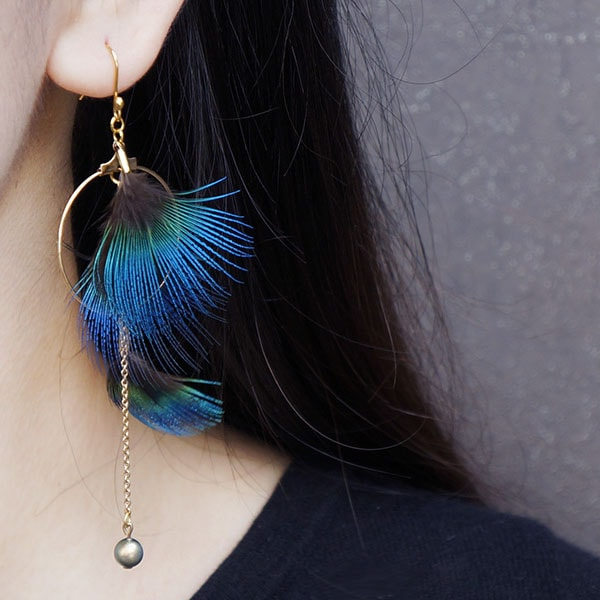 Peacock Feathers Hoop & Pearl Earring
