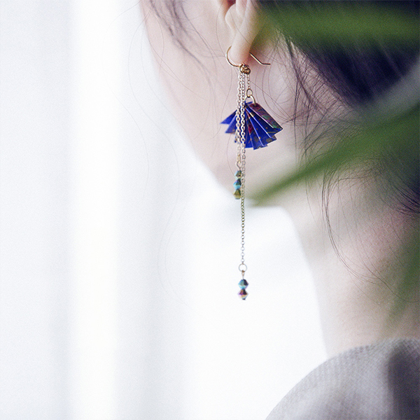 Yuzen Paper Fan Earring (Single)