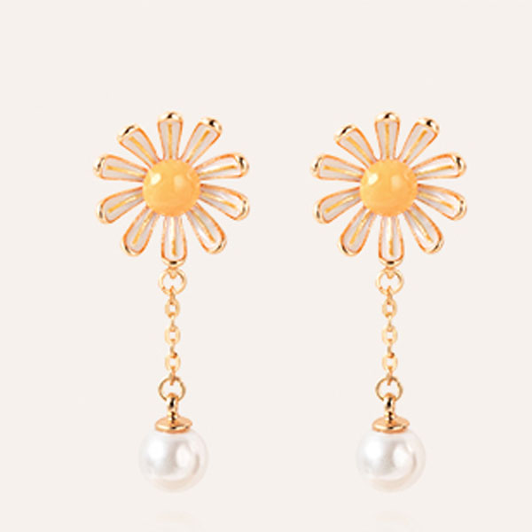 product thumbnail image for Daisy Pearl Earrings