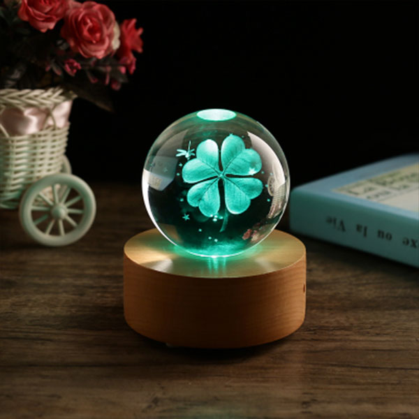 Clover Crystal Ball Music Box