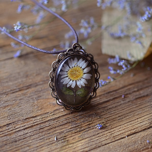 product image for Vintage Daisy Flower Necklace